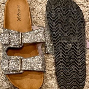 ANNA by RabLabs size 9 sandal